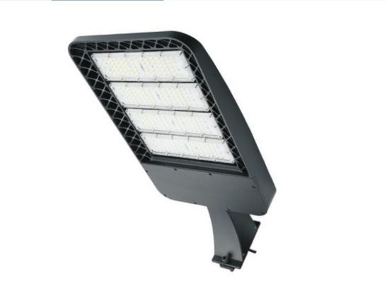 Cina High Lumen 90-277v IP65 Outdoor Led Shoebox Light 150w With 5 Years Warranty pabrik